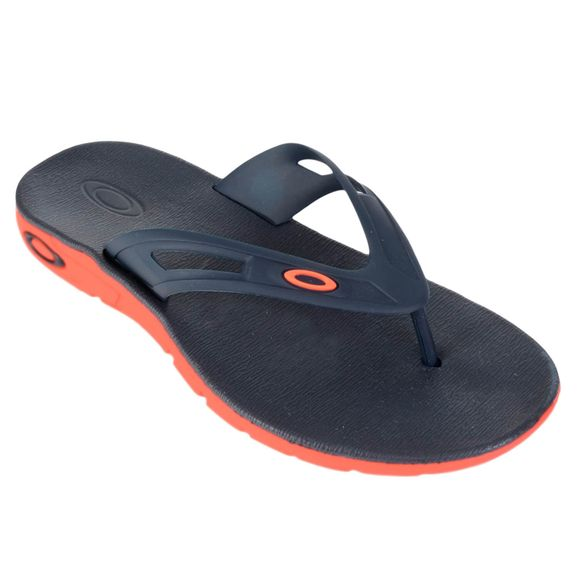 Chinelo-Oakley-Rest-